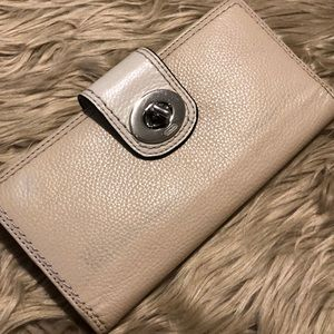 Coach Leather Wallet! (A477)